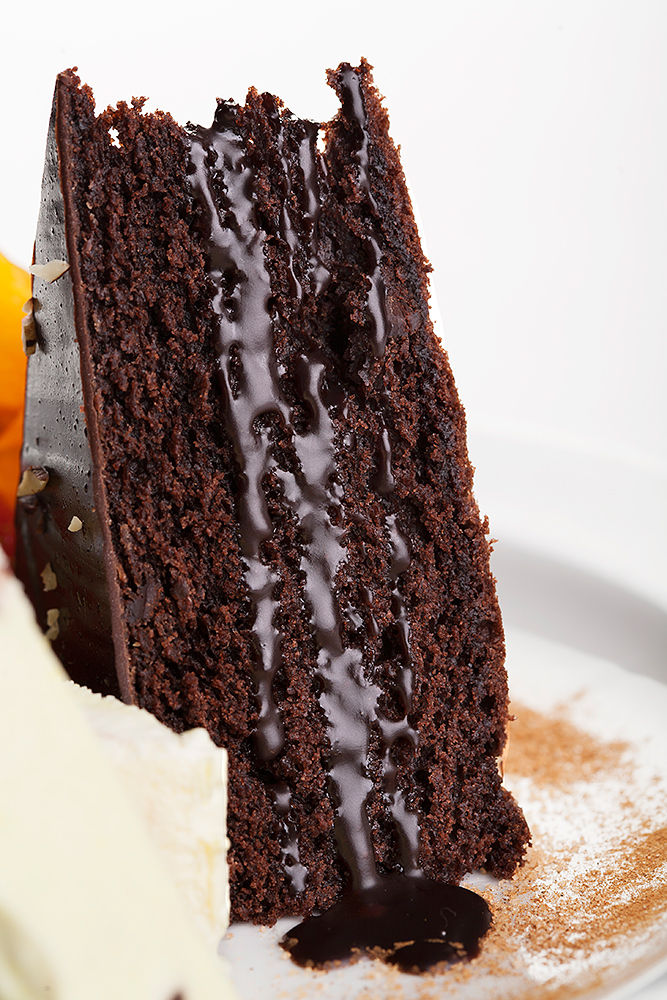 Dessert med chokoladekage tæt på